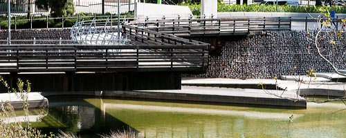 Sightseeing Barcelona: The foot bridge at Diagonal Mar Park.