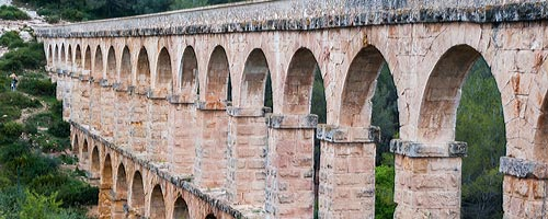 An image of the 'Devil's Bridge', a well preserved Roman aquaduct in Tarragona.