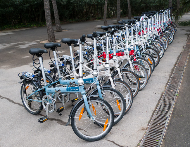 Your comfortable, high-quality Dahon bikes ready to ride just outside of Park Guell.