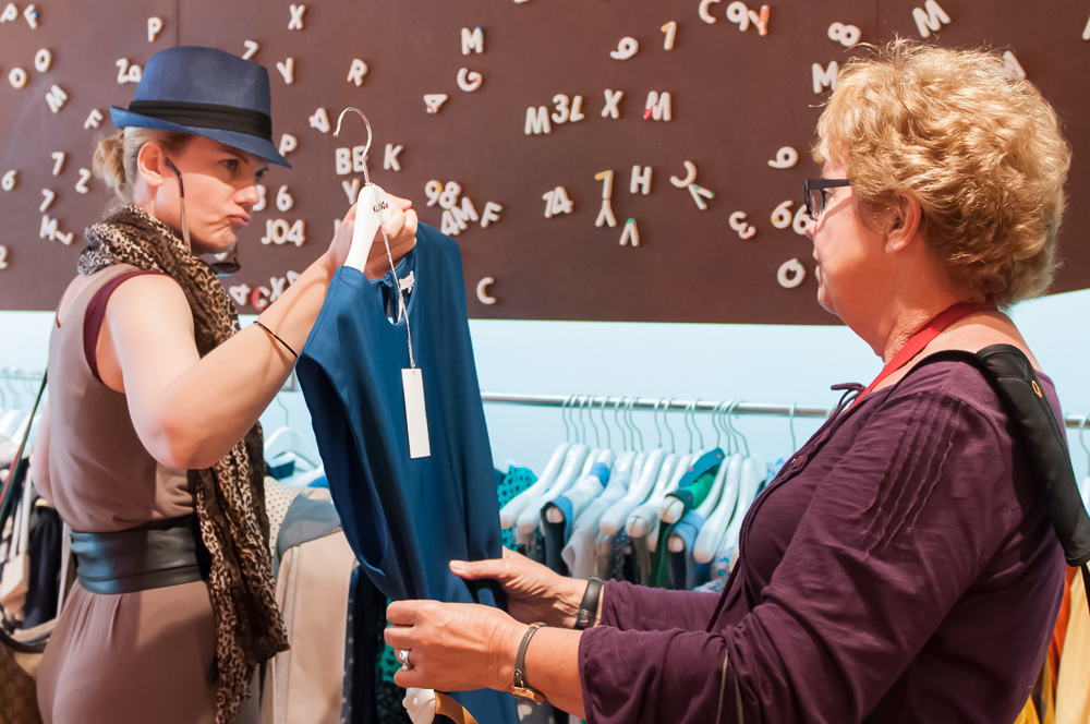 Finding the perfect item is much easier with the help of a fashion consultant.